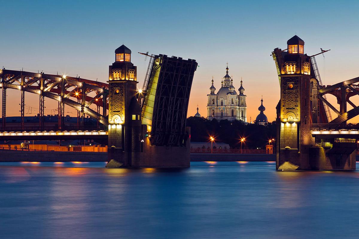 подборочка ночная экскурсия по санкт петербургу мосты обычном магазине нас